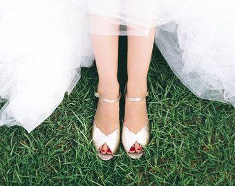 Wedding shoe / wedding sandal / flat bridal sandals / bridal flat shoe / flat gold sandal / peep toe flat / flat wedding shoes