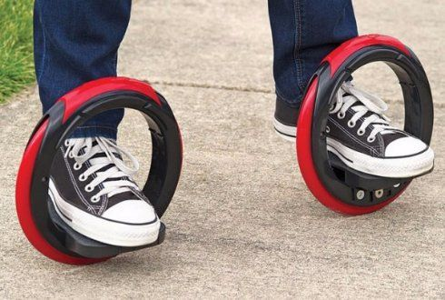 """Скейтборд """"скрестили"""" с роликовыми коньками и вот что получилось - http://supreme2.ru/9306-skejtbord-skrestili-s-rolikovymi-konkami-i-vot-chto-poluchilos/"""