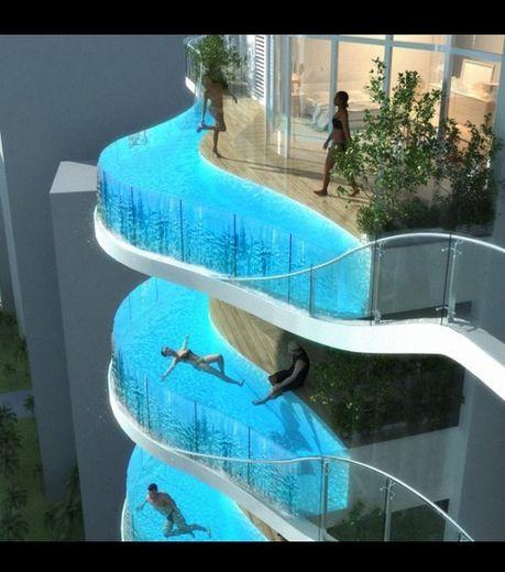 les piscines-balcons de James Law qui seront inclus dans chacun des appartements de cet immeuble à Mumbai, Inde  Mumbai,India luxurious appt complex with his own pool.