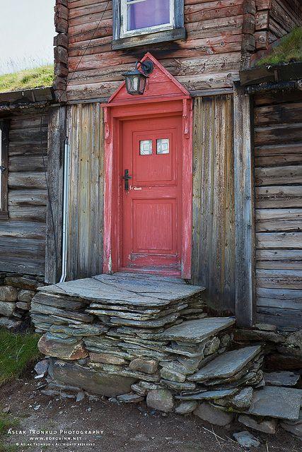 stone steps and red door: Stones Step, Red Doors, The Doors, Stacking Stones, Doors Window, Weather Woods, Stones Work, Norwegian Doors, Front Step