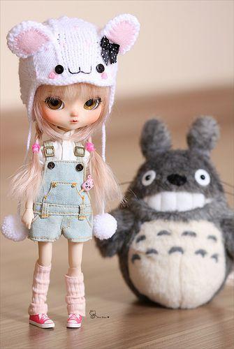 Pullip x My Neighbor Totoro (Studio Ghibli). Curated by Suburban Fandom, NYC Tri-State Fan Events: http://yonkersfun.com/category/fandom/