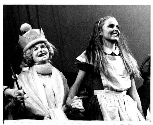 Eva Le Gallienne as the White Queen and Kate Burton as Alice in Great Performances: Alice in Wonderland (1983).