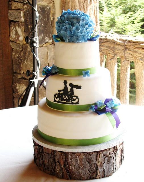 Bike Wedding Cake by EB Cakes, via Flickr