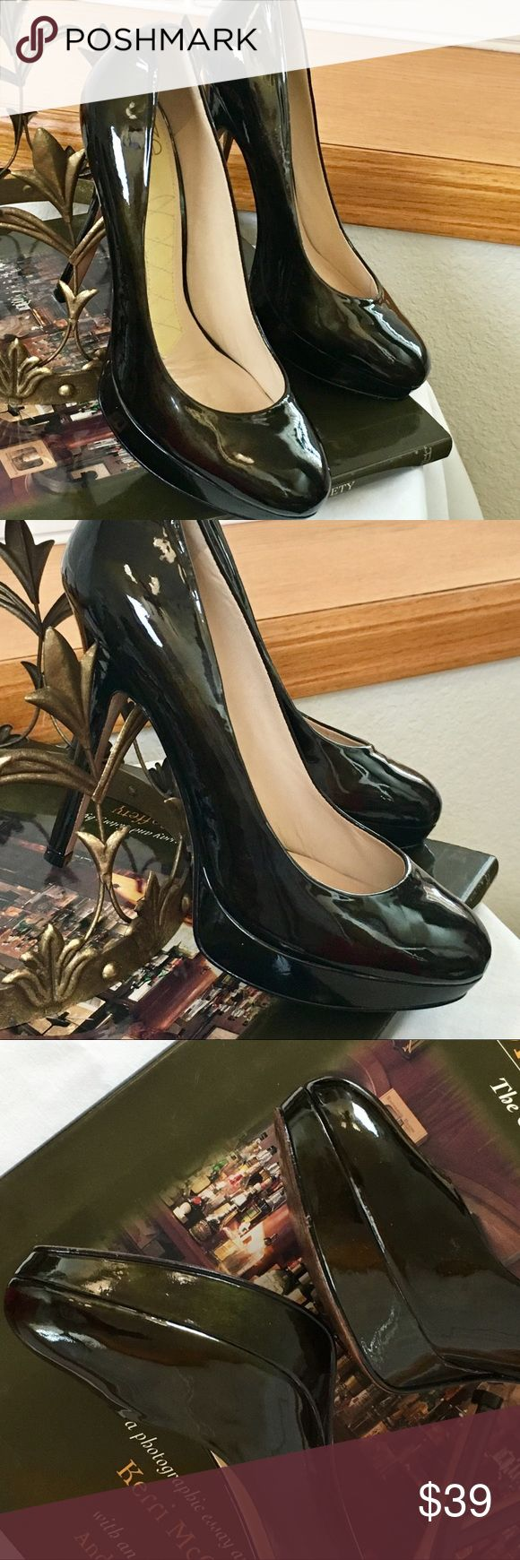 """EUC-Joan & David Italian Patent Platform Pumps🔥 EUC-Joan & David Brand-Highest End, Italian-made. Gorgeous Patent leather crafted into platform pump. Highest platform is 1"""", heel is just under 5"""", or 4"""" w/ platform. Color is MOSS BROWN—very unusual & versatile. I 💗♥️ but wear 9s 😩. These are SEXY, Date-Night shoes (even if you don't leave the home😉) TTS 7M. Please Enjoy 💚💗🌟 Joan & David Shoes Platforms"""