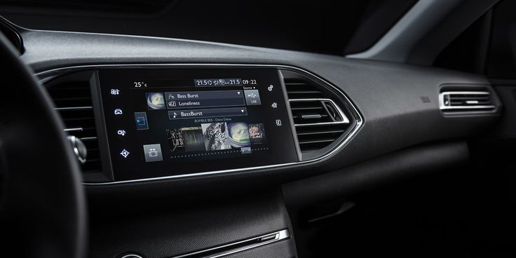 Multi-function touchscreen of the new #Peugeot308