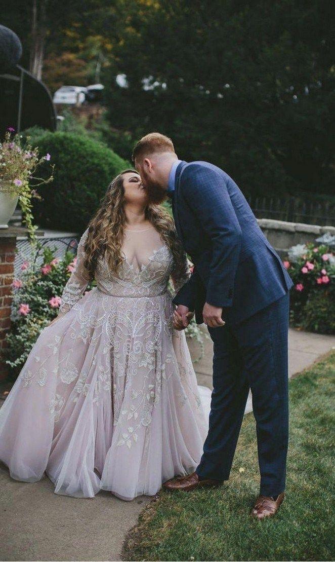 32 Beautiful Plus Size Wedding Dresses Weddingdresses Weddingdressideas Weddingdresse Long Sleeve Wedding Dress Lace Plus Wedding Dresses Ball Gowns Wedding