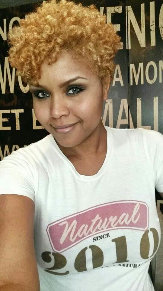 Beautiful & Natural! Beautiful Shades of Blonde! Sister girl is rocking it!