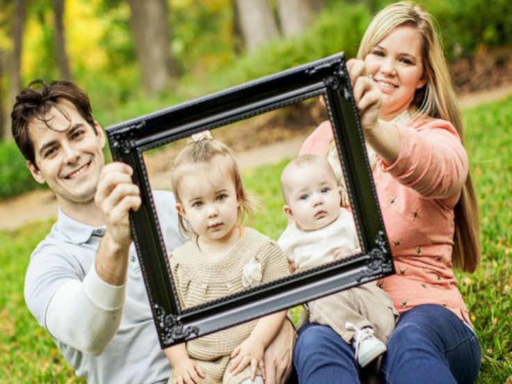 Updated family photos make great Mother's day gifts.