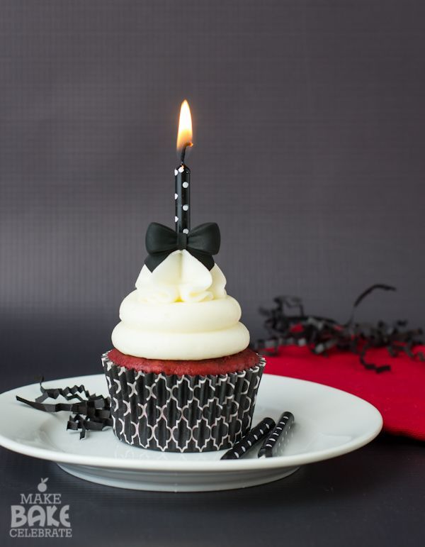 Red Velvet Cupcakes by @ToniMillerMBC