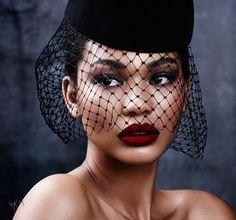 ClioMakeUp-pelle-scura-nera-makeup-trucco-abbinamenti-occhi-labbra-blush-Chanel-Iman-1
