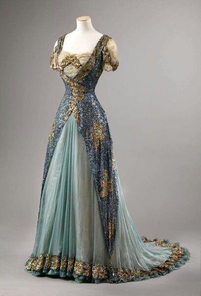 Dress1905-1910Nasjonalmuseet for Kunst, Arketektur, og Design (OMG that dress!)
