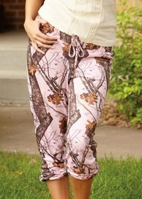 Mossy Oak Pink Camouflage Ladies Light Lounge Polyester Capri Pants 605235
