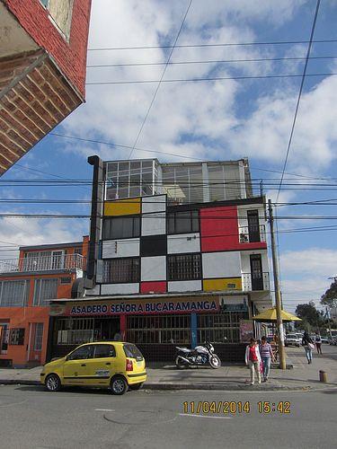 Arquitectura a la Piet Mondrian IMG_1571