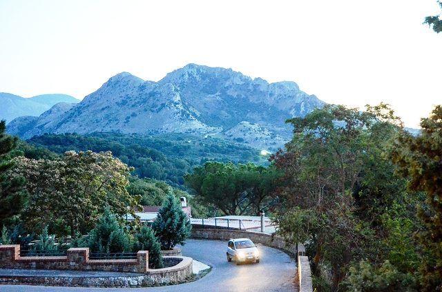 road to Gibilmanna
