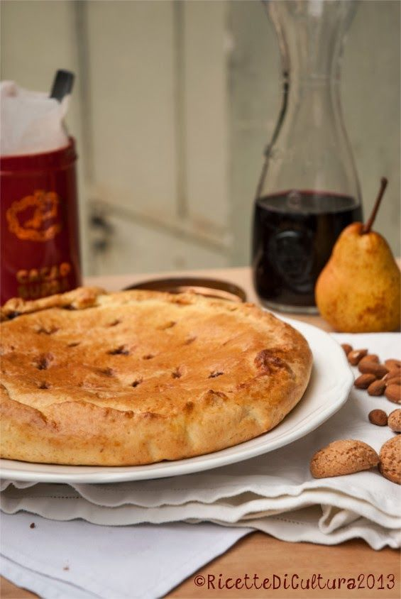 "Ricette di Cultura: Cake ""Tetti di Dronero"" with pears, red wine, cocoa and amaretti"