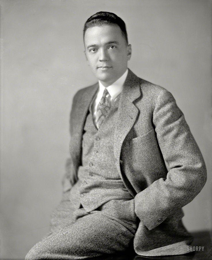J Edgar Hoover, un gay dirigiendo el FBI -