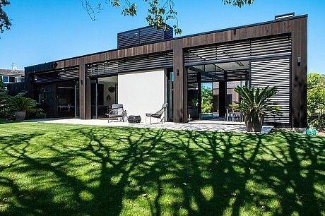 Godden Cres by Dorrington Architects & Associates