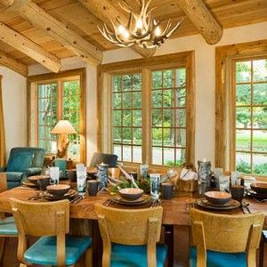 Interiors Of Log Homes From Town Country Homes Pinterest Color