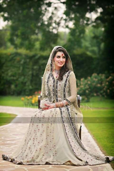 Pakistani Bridal Couture | Irfan Ahson Photography