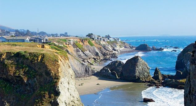 Along the Pacific Coast Highway. (Whitney Tressel) From: How to Do America's Most Scenic Drive--Without the Traffic.