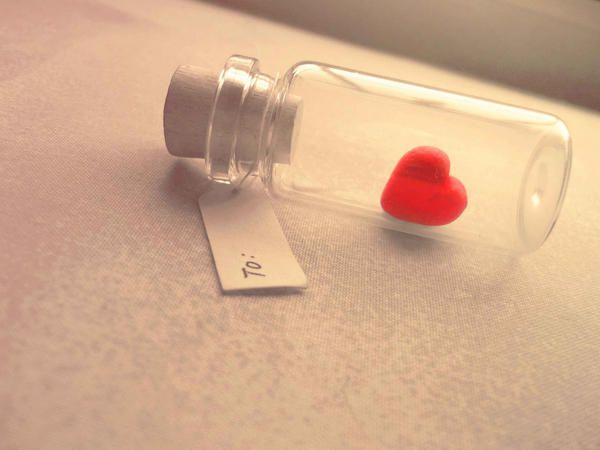 Aww. It's like a message in a bottle. I love cute things!