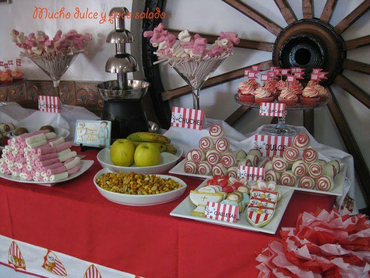 Mesa dulce, cupcake, cakepops, galletas decoradas, fuente de chocolate