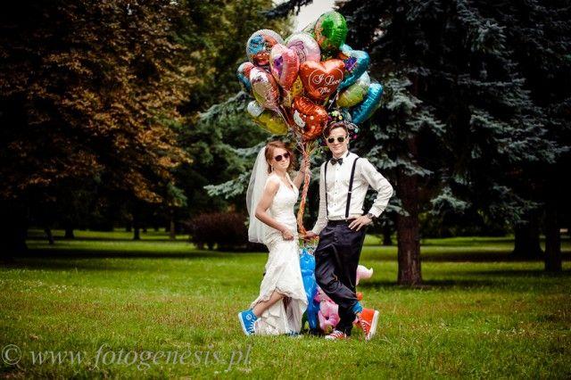 Kolorowe Trampki, balony, plener ślubny, fotogenesis.pl