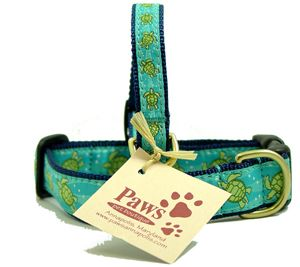 Cooling blue and green colors add to the beachy appeal of our sea turtle dog collars.