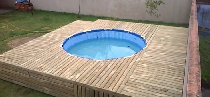 Dale un nuevo aspecto a tu piscina de lona utilizando los pallets de una manera muy ingeniosa.