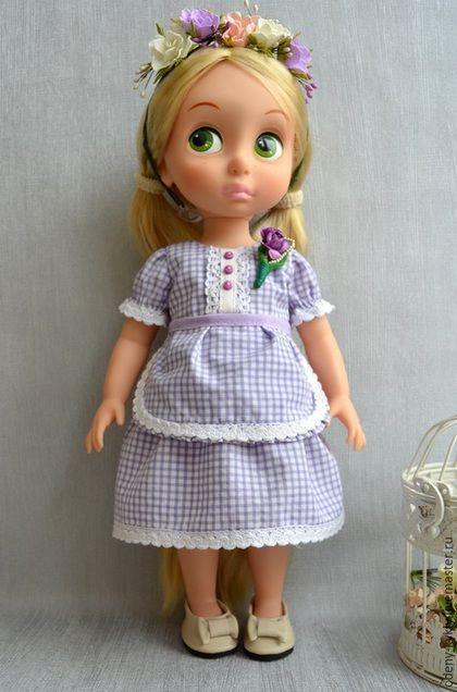 Купить или заказать №044 Платья для куклы Дисней/Disney. в интернет-магазине на Ярмарке Мастеров. Платье с венком. Платье, брошь,фартушек и кожаные туфельки. Без венка, венок без повтора, это была не моя работа. Для куколки Дисней/Disney. Подходит для всех куколок этой серии. Код модели 044 При покупке нескольких комплектов экономите на доставке.
