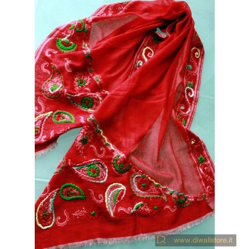 Scialle etnico indiano rosso con ricami e applicazioni in lana multicolore fatti a mano - Scialli e Sciarpe Orientali in Lana - Sciarpe e Borse Etniche - Diwali Store