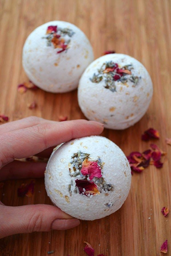 How to make Natural Rose, Lavender, & Oatmeal Bath Bombs ~ Lovely Greens