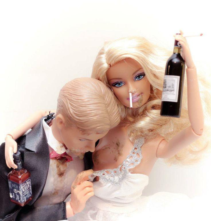 Barbie et Ken, le jour de leur mariage [Barbie en mode trash- photographe Mariel Clayton]