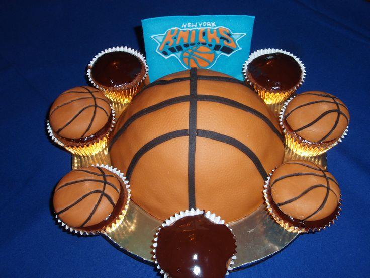 Tarta de balón de baloncesto de los New York Knicks-New York Knicks basketball fondant cake
