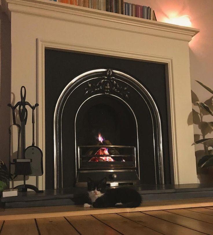 Seamus has discovered a new favourite spot #kitten #openfire #wintertime #catsofinstagram #kittensofinstagram #glasgow #fireplace