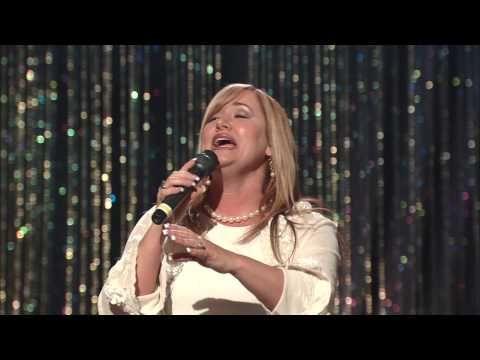 Lauren Daigle Songs >> Bill & Gloria Gaither - Love Lifted Me [Live] ft. Kim