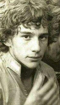 O menino Ayrton Senna da Silva.