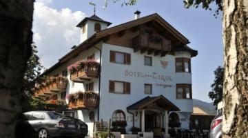 Hotel Tirol. Tra l'altopiano di Piné e la Valle di Fiemme,
