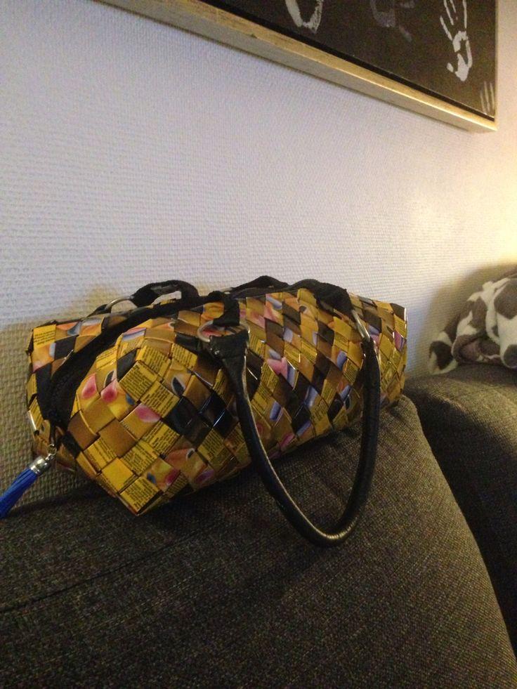 Flettet taske af slikfolie