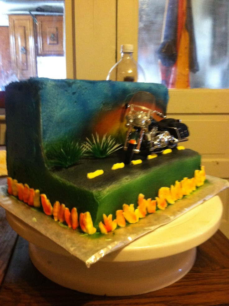 Birthday Cake Ideas Motorcycle : 17 Best ideas about Motorcycle Birthday Cakes on Pinterest ...