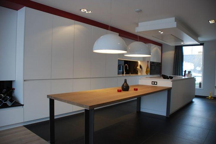 17 beste idee n over kookeiland tafel op pinterest eiland tafel keukeneetkamer en modern - Keuken met bar tafel ...