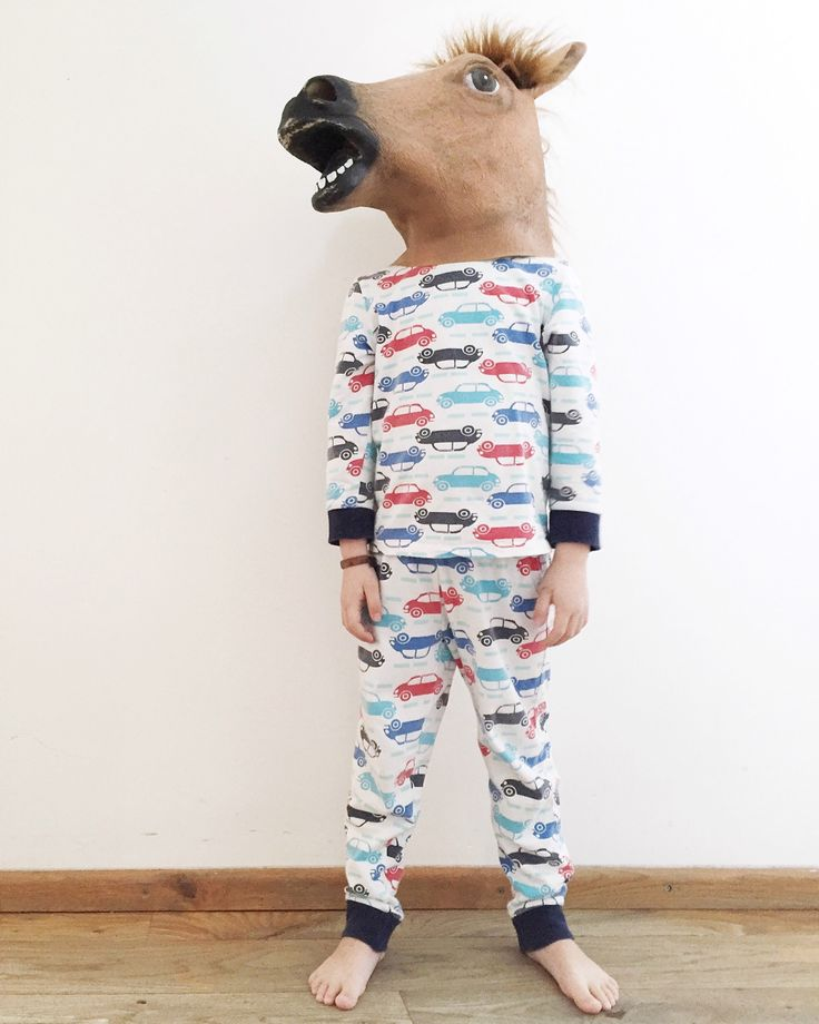 Hidden behind the horse - MariellePenrhynLowe Photography