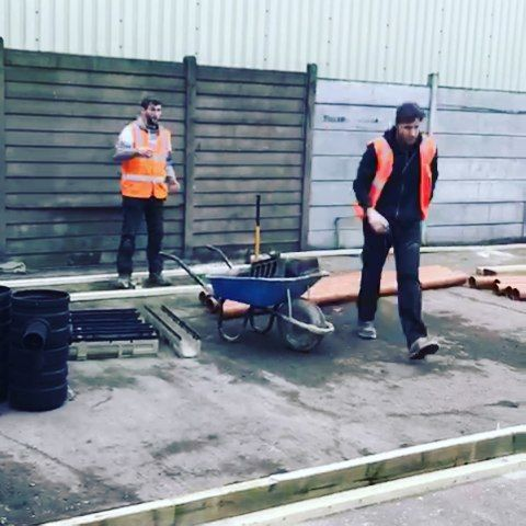 NEW TRAINING CENTRE UPDATE: Building work on our new training centre is coming on very nicely! The contractors are setting out the area ready to pour concrete. #MrPlantHire #MrPlantHireTraining . . . . . . . . . . . . #northlondon #concrete #cement #industrial #contractors #contractor  #construction #constructionsite #buildingsite #buildingwork  #constructionlife #constructionworker #builder #planthire #training #workinprogress #newconstruction #newbuilding #constructionporn #instavid #video…