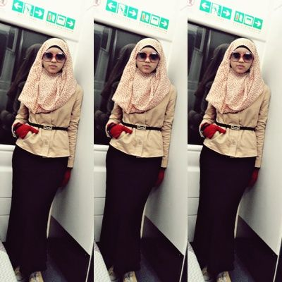 The journey from  airport to Hong Kong Station #Indonesiangirl #train #hijab #longdress