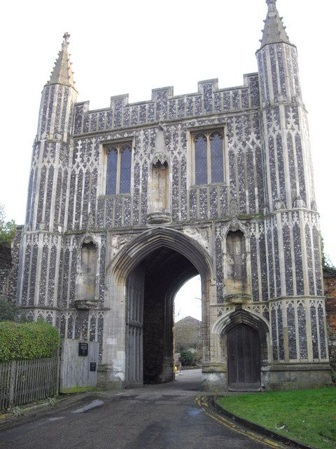 St. John's Abbey Gateway Colchester Essex England  http://www.vacationrentalpeople.com/rental-property.aspx/World/Europe/UK/East-England/Essex/Barn-11016