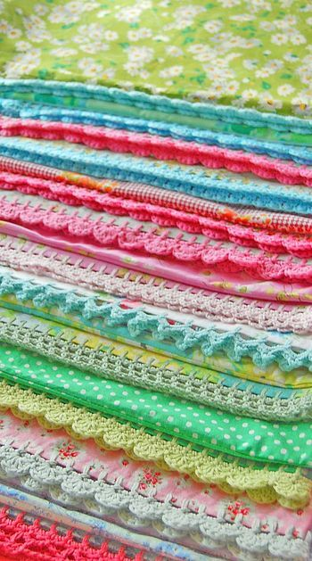 crochet edging: Idea, Crocheted Pillowcase, Crochet Borders, Crochet Edgings, Rose Hip, Crochet Edge, Pillowcase Edging