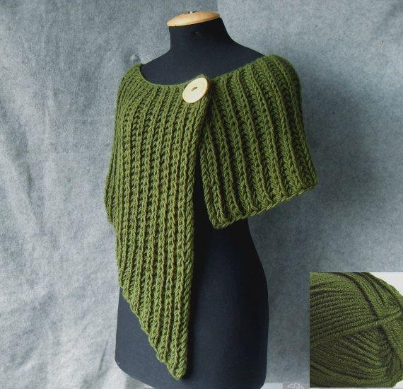 Poncho tricoté asymétrique et très bel pour par vinevirak sur Etsy