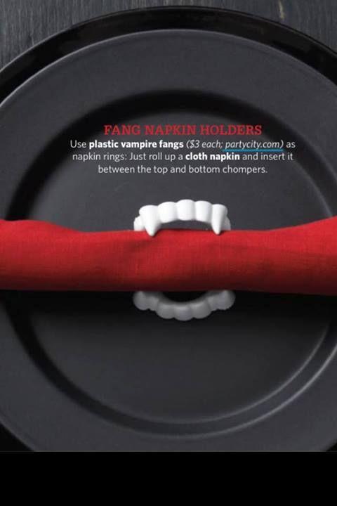 dents achetées au Dolorama comme support à serviettes de table pour les invités
