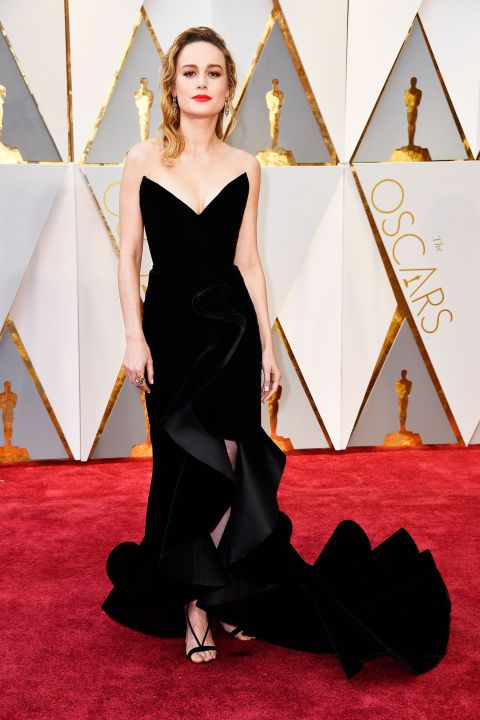See all the red carpet arrivals at the 89th Annual Academy Awards: Brie Larson in Oscar de la Renta