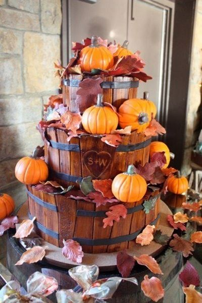 Pumpkin and wooden basket Wedding Cakes